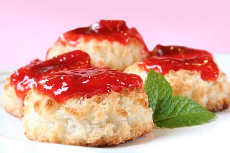jam tarts: Fresh tarts with strawberry jam.