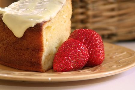 Sponge cake and strawberries Stock Photo - 3230918