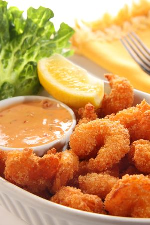 Deep fried shrimp platter. Also known as popcorn shrimp.