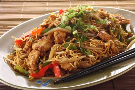 chinese noodles: Chicken chow mein meal.
