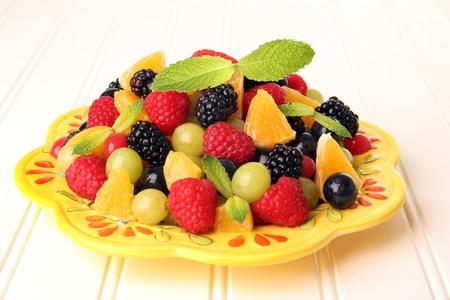 salade de fruits: Colorful salade de fruits d'�t�