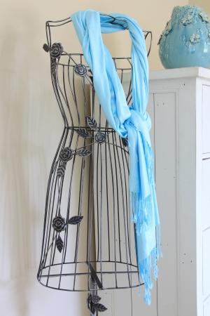 turquesa: Vestido vintage maniqu� de forma independiente Foto de archivo