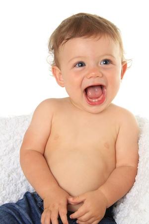 niño sin camisa: Adorable bebé diez meses de edad
