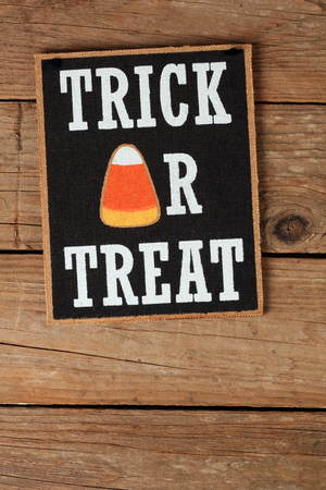 trick or treat: Halloween trick or treat wall decoration