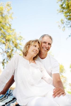 Portrait eines glücklichen Älteres Paar im Freien