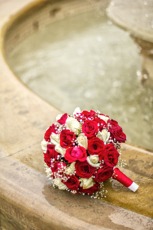 dreaminess: Bridal bouquet and fountain