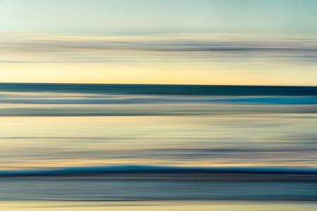 Ocean Sunset Abstract Background, Cyan and Yellow Colors, Long Exposure, Motion Blur Stockfoto