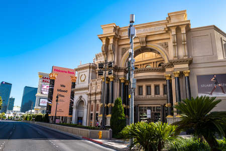 Las Vegas, Nevada, USA, - 2020: Cityscape in a world famous Vegas Strip in US. Best travel, hotels, attractions, tours, show and clubs. 免版税图像