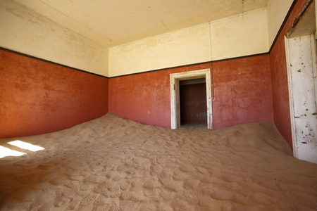 kolmanskop: Sand filled room at Kolmanskop