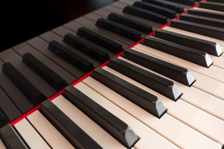 teclado piano: teclado de piano de cerca - teclas de piano detalle