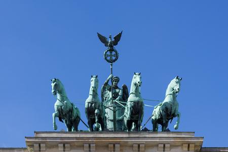 brandenburger tor: Berlin Brandenburg Gate (Brandenburger Tor) statue isolated Editorial