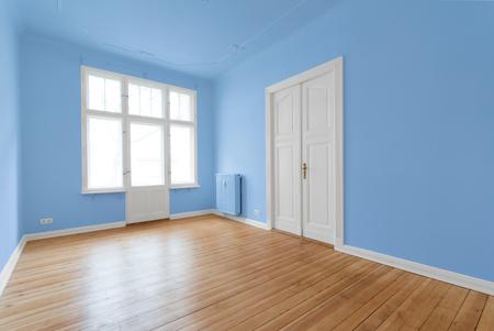 beautiful empty room - apartment after renovation Standard-Bild
