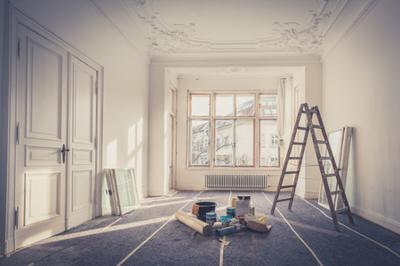 Renovación - apartamento durante la restauración Foto de archivo - 89548721