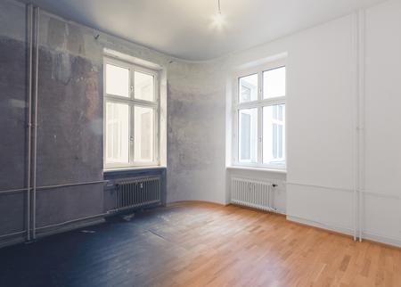 lege ruimte renovatie concept - voor en na Stockfoto