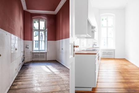 Renovierungskonzept -Küchenraum vor und nach Sanierung oder Restaurierung Standard-Bild