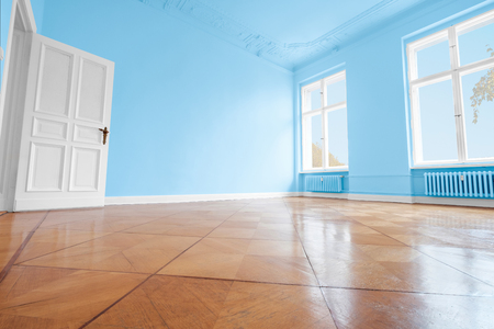 blue painted room, apartment renovation with colorful walls Zdjęcie Seryjne