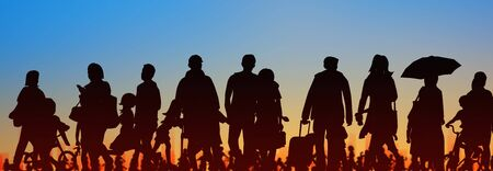 sihouette of group of people sunset sky background 免版税图像