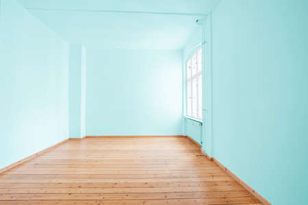 empty  room in apartment flat with green painted walls 写真素材 - 150744251