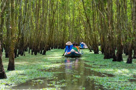 ベトナムのメコン ・ デルタの観光ボート