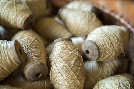 Raw silk thread in traditional yarn. Vietnamese silk made from silkworm Standard-Bild - 122250147