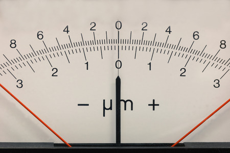 sceince: Rectangular measurement device with a pointer indicator, retro style