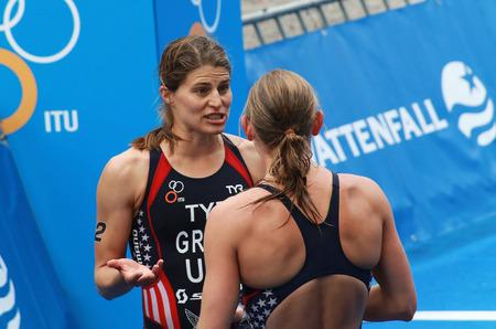 lindsay: STOCKHOLM - AUG 23: Sarah Groff discussing with Lindsay Jerdonik after winning the Women
