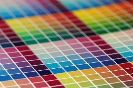 imprenta: Primer plano de una prueba de impresi�n muy colorido, peque�a profundidad de campo Foto de archivo