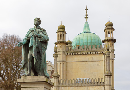 regent: BRIGHTON, GREAT BRITAIN - FEB 26, 2017: Statue of Prince Georg IV in front of the royal pavilion in Brighton. February 26, 2017 in Brighton, Great Britain