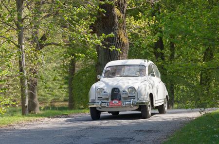 ヘルタ ベルリン、ストックホルム、スウェーデンの森で Gardesloppet の公共のレースで国の道路上 1962 運転からのストックホルム, スウェーデン - 2017  報道画像