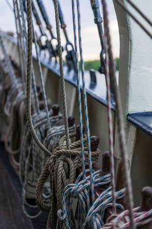 reisen: parts of the rigging from the boat in close-up