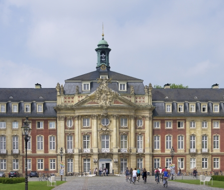 Schloss (castle) in Munster, Germany. Former residence for the prince-bishops, now it is the administrative centre of the University of Munster.
