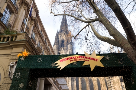 weihnachtsmarkt: christmas market in Cologne, Germany