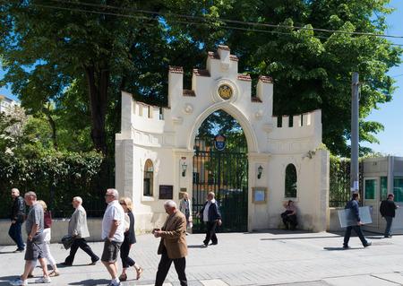 representations: El consulado general de Suecia es una de 390 representaciones extranjeras en Turqu�a, y una de las 116 representaciones extranjeras en Estambul.