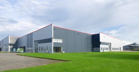 Gran almacén industrial en los países bajos Foto de archivo - 42902951