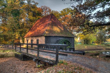 molino de agua: molino holandés viejo en colores HDR vendimia