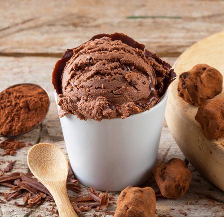 Helado de chocolate artesanal Foto de archivo - 41063441
