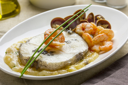 hake: Hake with shrimps and clams