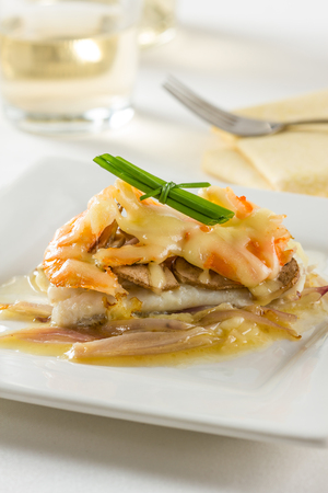 sole: Sole fillet with mushrooms, shrimps, onions and cheese