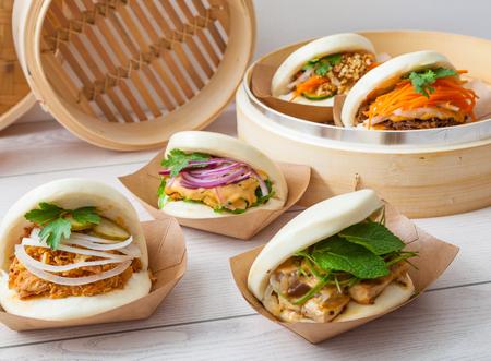 Bao sandwich, comida asiática de la calle Foto de archivo - 76167539