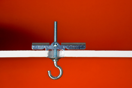 Toggle bolt for drywall ceiling light fixture