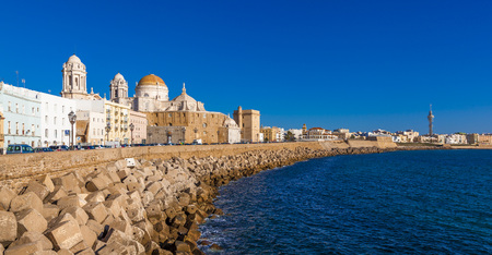 CADIZ, SPAIN - NOVEMBER 15: View of the city of Cadiz on November 12, 2017. Cadiz is bordered by the sea and its Cathedral can be seen in the background. 에디토리얼