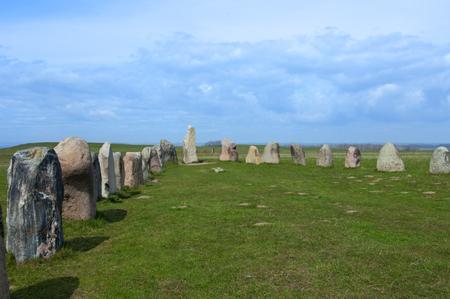Ales stenar Ale's Stones, sito archeologico nella Svezia meridionale. Archivio Fotografico - 96323084