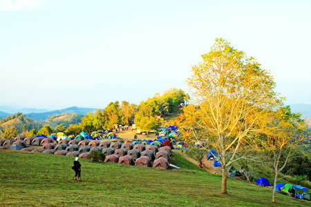 Many tent are at Sri Nan national park, Thailand. Travel and Camping with blue sky and clouds on the mountain Редакционное