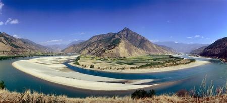 yangtze river: First Bend of the Yangtze River