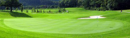 golf drapeau: Parcours de golf  Banque d'images