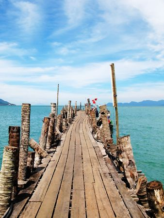 langkawi island: Pathway to the sea. Langkawi, Malaysia Stock Photo