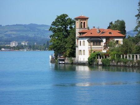 canton berne: Old mansion in Oberhofen at the lake Thun. Switzerland