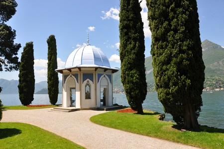 Garden of villa Melzi at the famous Italian lake Como photo