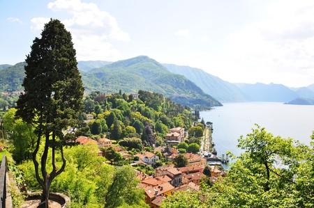 como: Bellagio town at the famous Italian lake Como