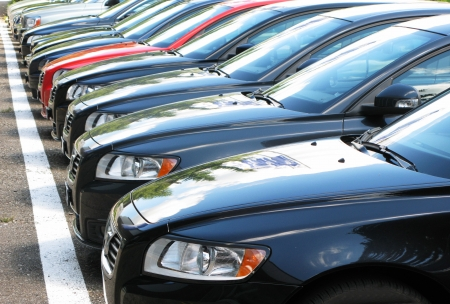 hilera: Fila de coches